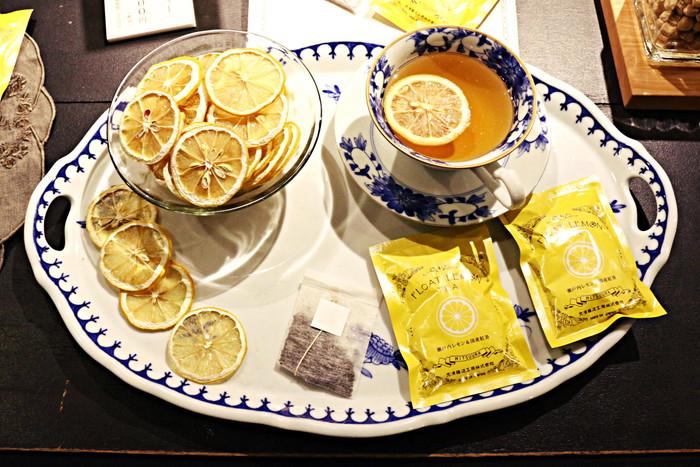 紅茶にゆっくりレモンの香りが溶け出していくので、ゆったりとしたティータイムにおすすめとのこと!