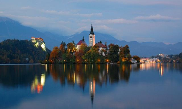 th_lake-bled-at-twilight
