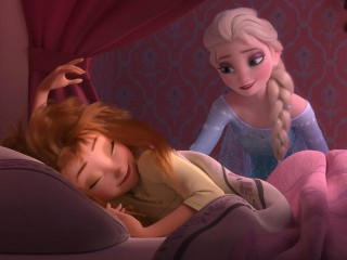 th_anna_elsa_movie_main