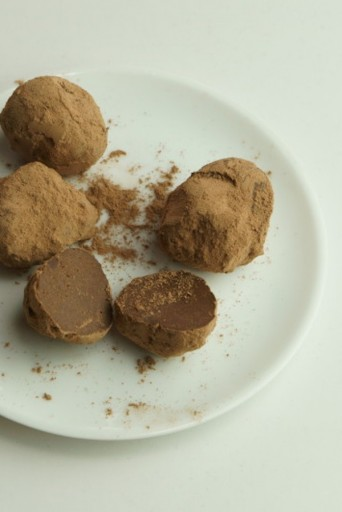 bntsama_cooking20151002_ChaiRawChocolateTruffle05