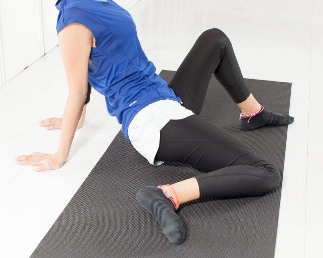 股関節周りの柔軟性をupさせる簡単美脚ストレッチ