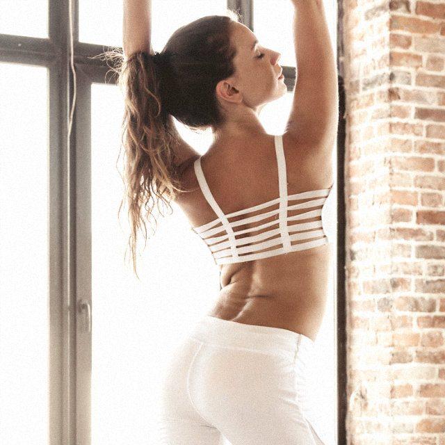 たるみの出やすい脇腹&背中に効く簡単エクサ