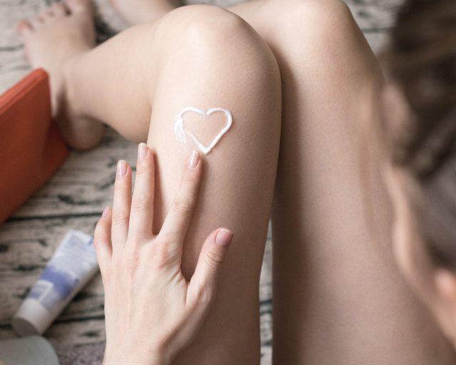"""粉ふき肌を回避。早坂香須子さん直伝""""保湿マッサージ法""""で潤い満ちた肌美人に"""