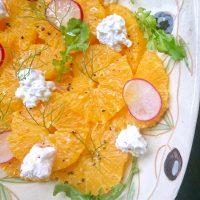 手づくりチーズとオレンジのサラダのレシピ