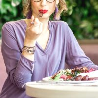 人気セレブの究極デトックス法の鍵は食べること