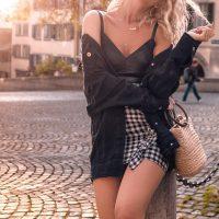 人気セレブに学ぶ旬顔ランジェリーファッション