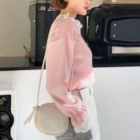春気分を先取るオンナ度高めのピンクの着こなし